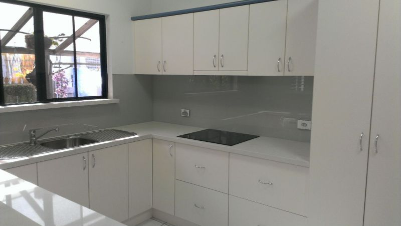 White Kitchen Grey Splashback scudz painted splashbackz