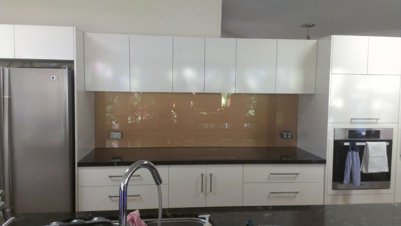 White Kitchen Black Benchtop scudz painted splashbackz